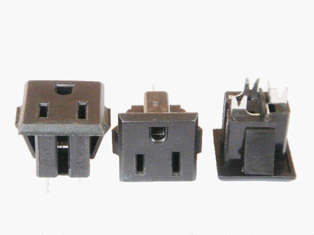 Plastic 3 Prong American Power Socket , Electrical Wall Outlet Standard Grounding